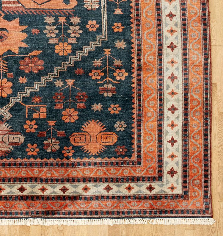 Looking for an Orange Patterned Rug Just Like Ours? Check Out These Sources for the best vintage rugs and new vintage-inspired rugs in orange, burnt rust, terra cotta, persimmon, and tangerine color palette! #turkishrug #vintagerug #vintageinspiredrug #bedroomrug #anatolian #oushak #oneofakindrug #orangerug #traditionalrug #orientalrug #rugshopping #patternedrug