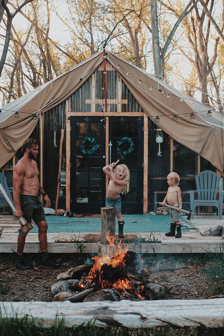 Small Space Squad Home Tour: Inside the Rustic, minimalist, and Cozy home of a family of 4 aka Den For Our Cubs. @zacandkatie #smallspaces #tinyhouse #livesmall #smallspacesquad #hometour #housetour #minimalist #minimalism #boho #bohemian #bohostyle #tent #safaritent #tentliving
