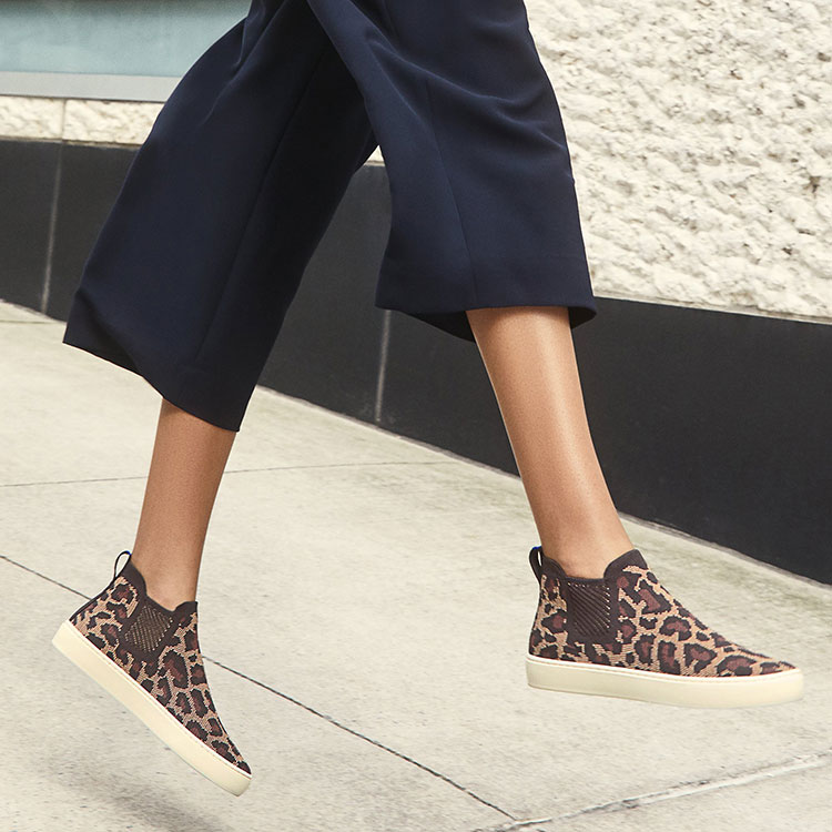 7 Ethical, Eco-Friendly and Sustainable Shoe Brands! Looking for Stylish Ethical Fashion and Accessories Brands? Check Out These 7 Companies! List includes reviews of Everlane, Rothys, AllBirds, Fortress of Inca, Veja, Coclico, and Nisolo. #sustainability #sustainablestyle #ethicalfashion #ethicalbrands #ecoliving #sustainablelifestyle #ecofashion #ecostyle #ethicalshoes #shoes