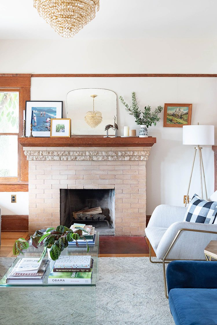 Small Space Squad Home Tour: Inside the Charming Restored Historic Home of The Gold Hive @ashleykgoldman #smallspaces #tinyhouse #livesmall #smallspacesquad #hometour #housetour #minimalist #minimalism #historichome #oldhome #restoration #historicalhome #craftsman #craftsmanhouse