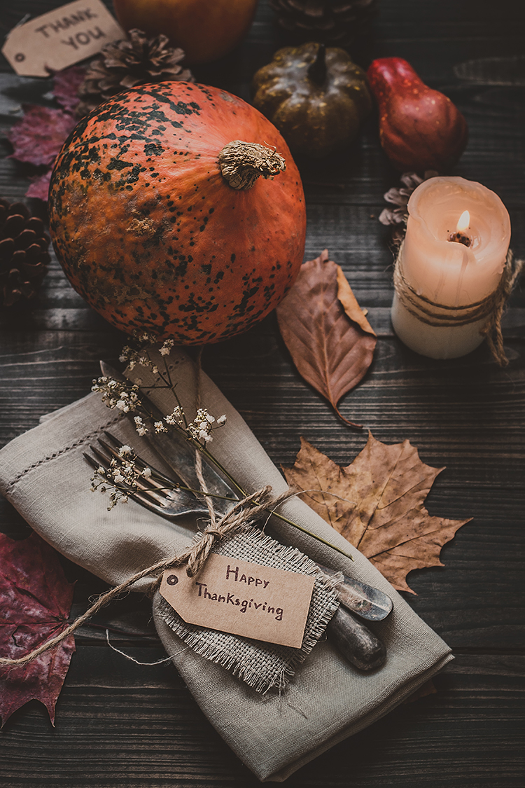 Alternative Ways to Give Thanks & Bring More Meaning to Your Thanksgiving. Personal essay about finding more meaning and being more intentional during the holidays. #thanksgiving #turkeyday #holidays #personalessay #givethanks #gratitude