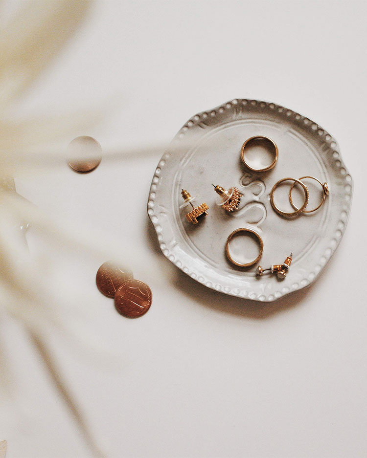 5 Sustainable Jewelry Brands + Tips for Shopping for Ethical, Sustainable & Eco-Friendly Jewelry! Looking for Stylish Ethical Fashion Brands? Check Out These 5 Companies! List includes reviews of Raven + Lily, Bario Neal, Alighieri, ADORE, & Vieri. #sustainability #sustainablestyle #ethicalfashion #ethicalbrands #ecoliving #sustainablelifestyle #ecofashion #ecostyle #ethicaljewelry #sustainablejewelry