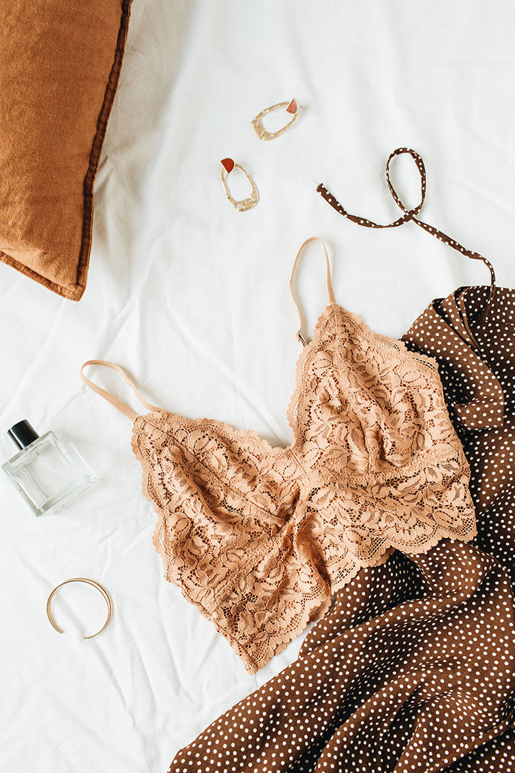 Go Green with These Sustainable & Ethical Lingerie Brands! Tips for Shopping for Ethical, Sustainable & Eco-Friendly underwear. Looking for Stylish Ethical Fashion Brands? List includes reviews of Pact, Everlane, Hara, Organic Basics, Cosabella, Hanes, Knickey & more! #sustainability #sustainablestyle #ethicalfashion #ethicalbrands #ecoliving #sustainablelifestyle #ecofashion #ecostyle #ethicalclothing