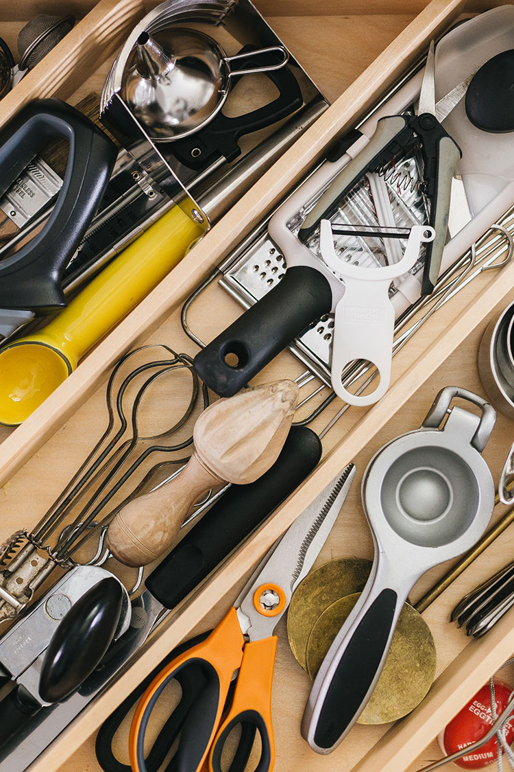 My Essential Kitchen Tools — AKA Every Single Cooking Gadget I Love & Use! Product recommendations for kitchen gadgets, pots and pans, bakeware, food storage, cookbooks and more. Get the full source list on jojotastic.com #kitchentools #kitchengadgets #kitchen