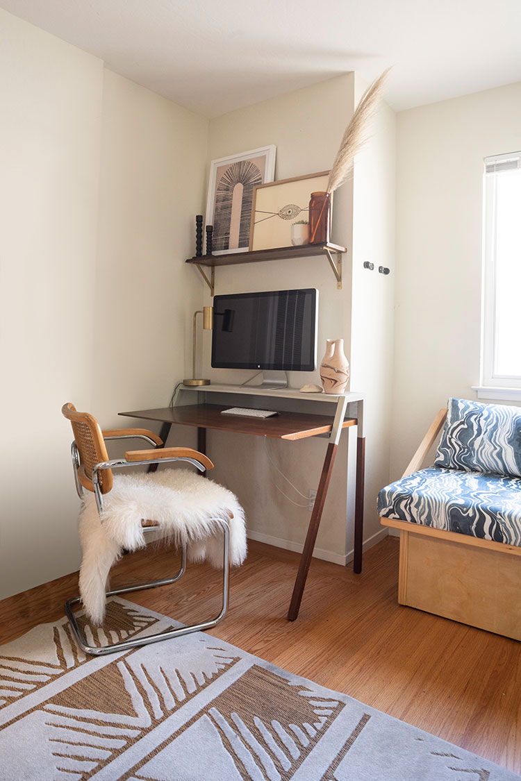 Small Space Squad Home Tour: Inside the California casual home of Sun Soul Style, small apartment with big style #smallspaces #tinyhouse #livesmall #smallspacesquad #hometour #housetour #minimalist #minimalism #neutralhome #californiacasual
