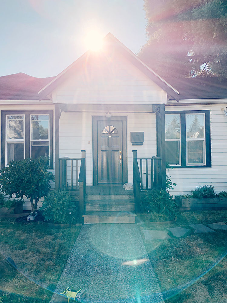 HUGE personal news: our tiny bungalow in Ballard, Seattle is officially on the market for sale! Learn more about our new home + why we're moving on jojotastic.com