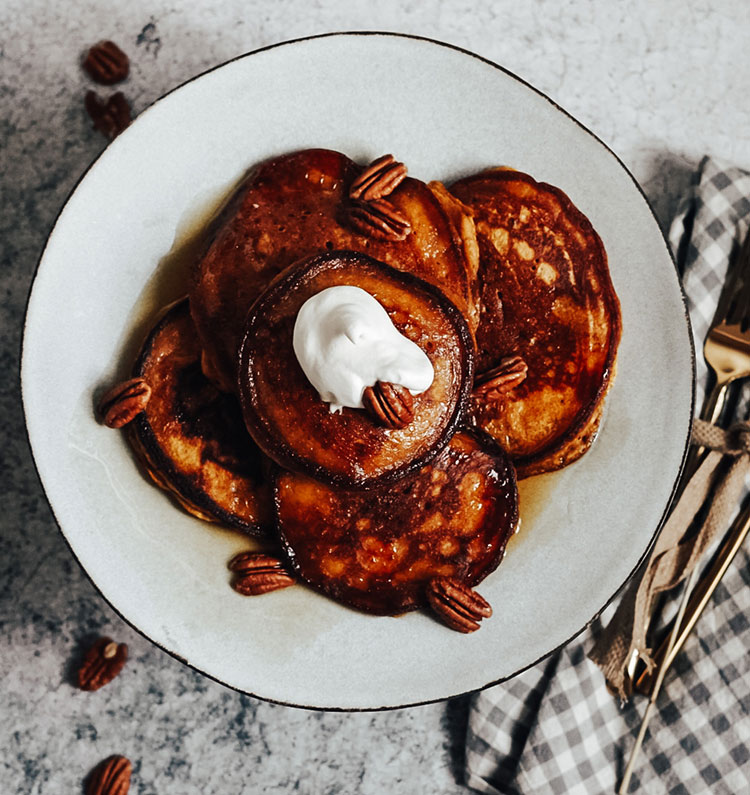 Meet the perfect fall pancakes recipe with a twist: Chinese Five Spice Pumpkin Pancakes Recipe — so good and sooo easy! Recipe by Josh Borden, Wanderlust & Piecrust @wanderlustpiecrust The perfect cozy fall buttermilk pancakes recipe for breakfast and brunch! #pancakes #recipe