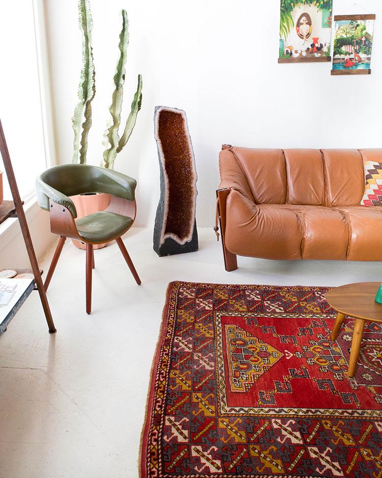 Jojotastic Reader Appreciation Week Giveaway! Enter to win huge giveaways to shop vintage one of a kind turkish rugs, home decor, bedding, ethically made clothing, and more on jojotastic.com #giveaway #entertowin #gratitude #grateful