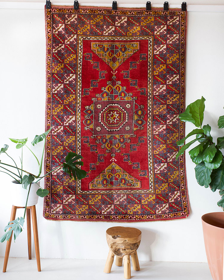 Jojotastic Reader Appreciation Week Giveaway! Enter to win huge giveaways to shop vintage one of a kind turkish rugs, home decor, bedding, ethically made clothing, and more on jojotastic.com #giveaway #entertowin #gratitude #grateful