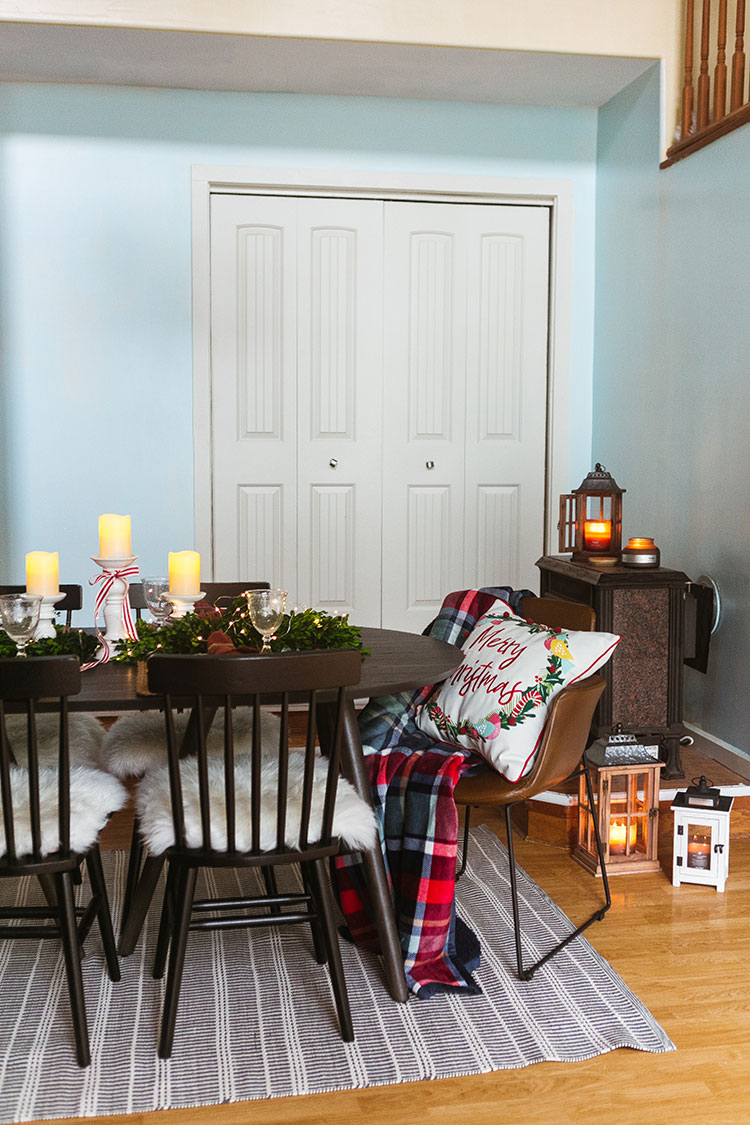 What's your Christmas eve tradition? I shared mine on the blog today in partnership with @bhglivebetter exclusively @walmart to share two thoughtful gift ideas for the men in my life (my husband and my father-in-law!) plus a peek at my holiday tablescape including charming 12 days of Christmas plates! #BHGlivebetter #walmart #betterhomesandgardens #AD
