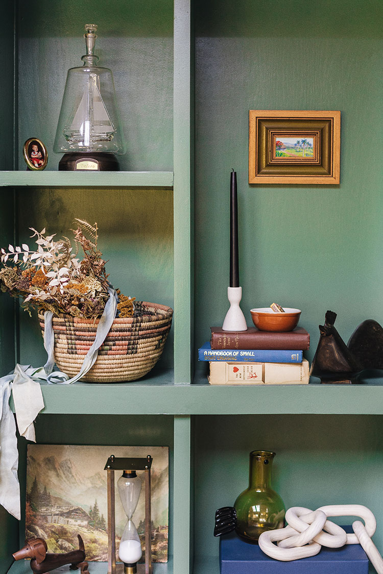 A Few Ways to Incorporate Vintage Decor Into Your Home. Styling vintage decor like canisters, books, artwork, dishes, and more. Using vintage decor as functional storage.