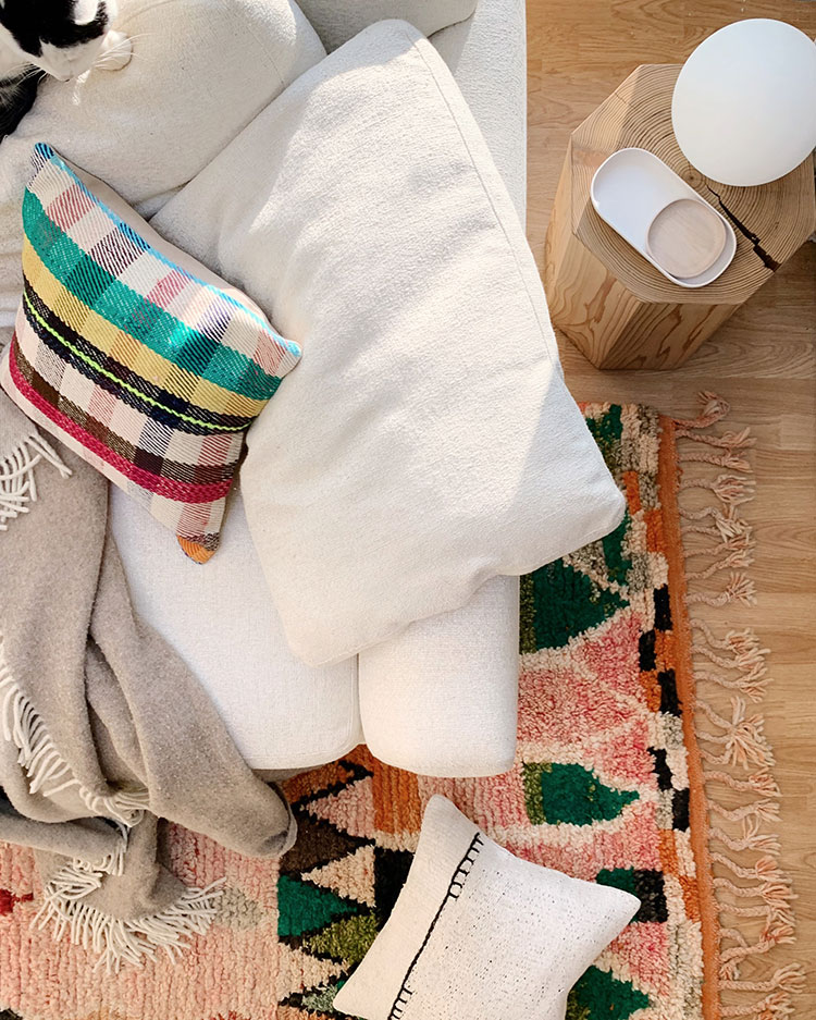4 On-trend Etsy Shops you have to know about for the best vintage home decor, affordable Moroccan rugs, one-of-a-kind decor, and rattan mini lamps!