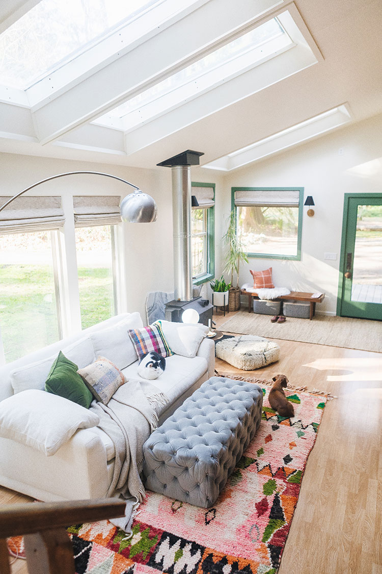 Looking to make your home more colorful? These quick and easy decorating tips and ideas are the perfect way to add a pop of color into any space!