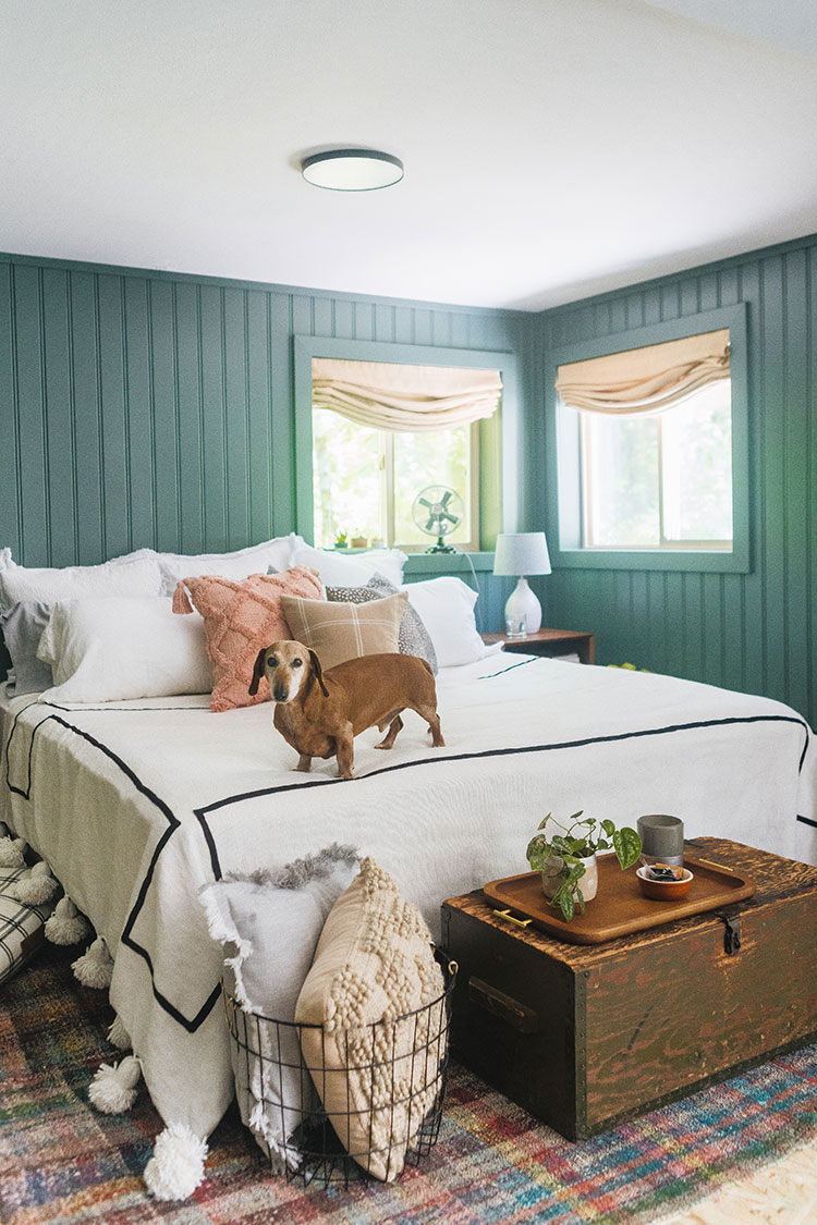 Our $300 Cabin Bedroom Refresh for Spring with @bhglivebetter @walmart with stylish and affordable decorative pillows, sateen sheets, accent lamps and more. Shop the post & learn more on jojotastic.com #BHGlivebetter #walmart #betterhomesandgardens #AD