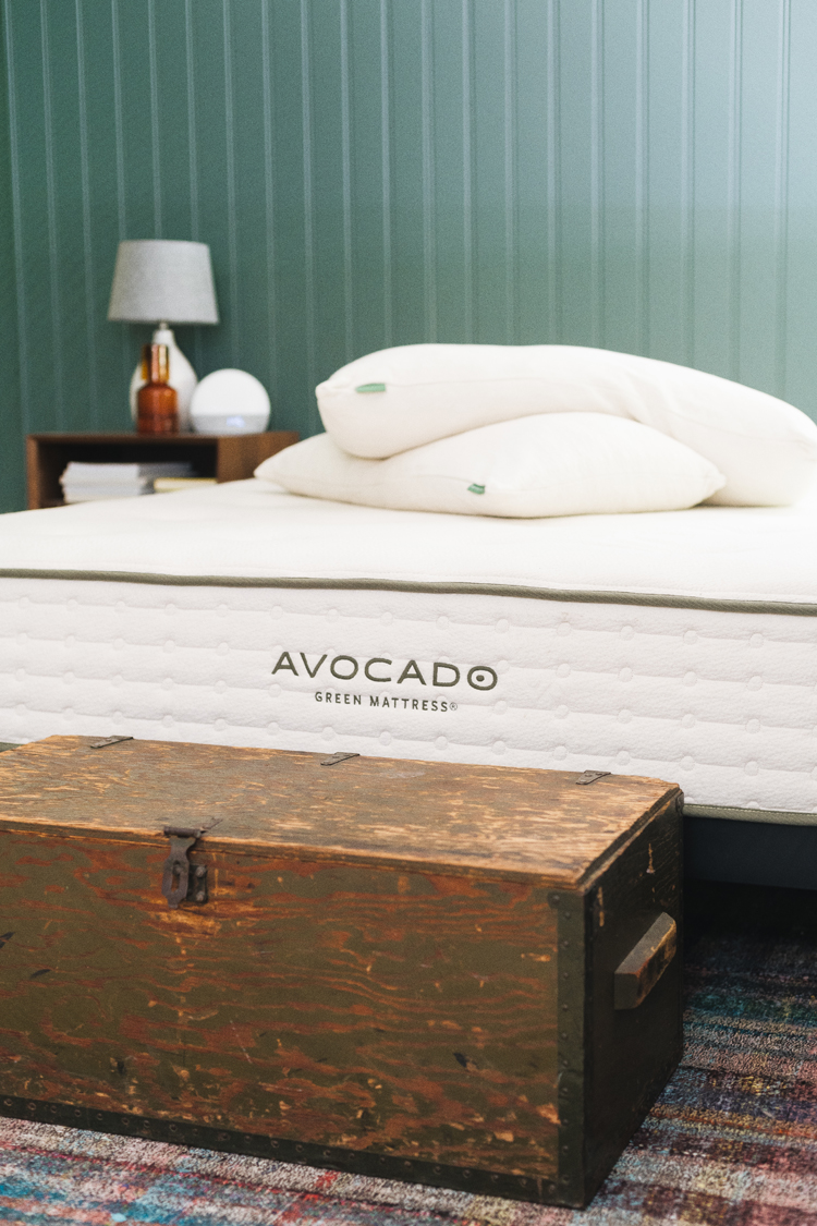 My Full Avocado Mattress Review — After Nearly a Year of Testing It Out! all about this ethically made, sustainable mattress with natural latex, cotton, and wool #AD #AvocadoMattress