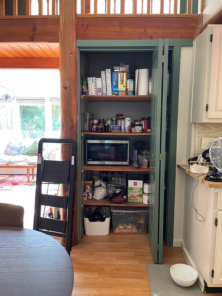 Before and after mini makeover reveal: My Updated & Organized Pantry Makeover with @bhglivebetter @walmart with stylish and affordable food storage, organization tools, risers, turntables, bins, baskets and more. Shop the post & learn more on jojotastic.com #BHGlivebetter #walmart #betterhomesandgardens #AD