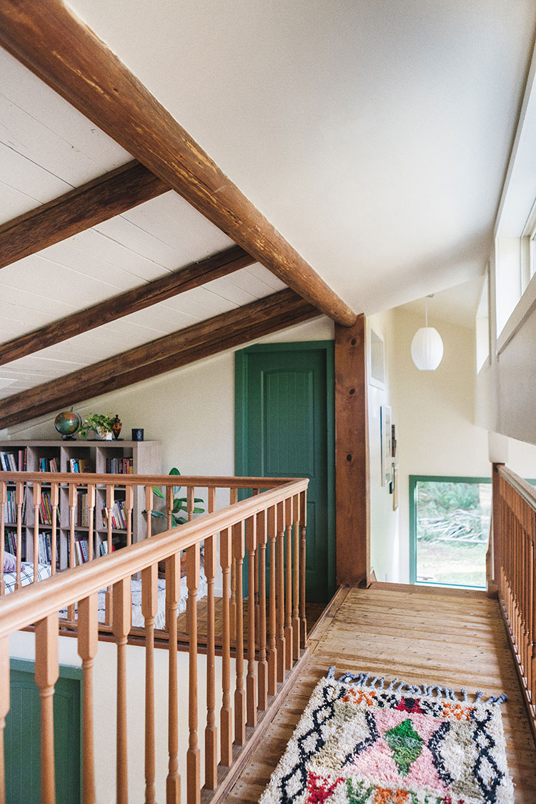 Everything You Need to Know About Selecting a Paint Finish! How to pick the right paint finish for each renovation project, the difference between paint finishes like high gloss, eggshell, satin, flat